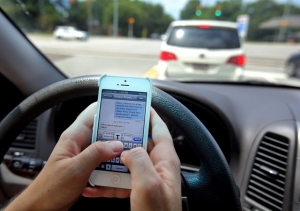texting-while-driving (1)