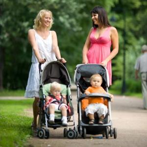 stroller-baby-mom