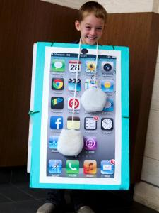 CI-Manvi-Drona-iPod-Halloween-Costume_v.jpg.rend.hgtvcom.1280.1707